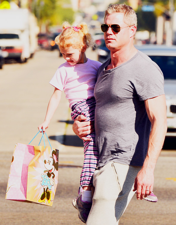 Eric Dane picks up his little Valentine from school